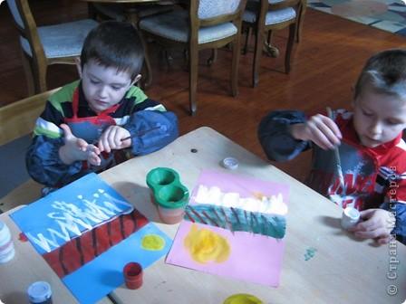 За идею спасибо Анат  «Весенняя капель» http://stranamasterov.ru/node/62713?c=favorite  Занятие было по-весеннему радостное, музыкальное, теплое. Малыши много говорили о блестящих сосульках, с радостью рисовали капель. фото 5
