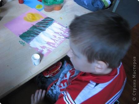 За идею спасибо Анат  «Весенняя капель» http://stranamasterov.ru/node/62713?c=favorite  Занятие было по-весеннему радостное, музыкальное, теплое. Малыши много говорили о блестящих сосульках, с радостью рисовали капель. фото 4
