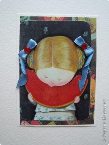 """У меня вчера был волшебный вечер подарков, но об этом я напишу в конце. Настроение было такое...такое...в общем словами не опишешь какое :) Поэтому проанонсированную серию АТС """"Письма счастья"""" я отложила и за ночь сделала другую """"Ангелы существуют!"""" Работа сделана на основе картин украинской художницы Евгении Гапчинской. Безумно люблю ее работы такие нежные и трогательные. За номером карточки следует название самой картины. Итак, все вместе и каждая в подробностях: фото 4"""