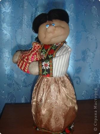Моя куколка на основе пластиковой бутылки по принципу Трындычихи. фото 1