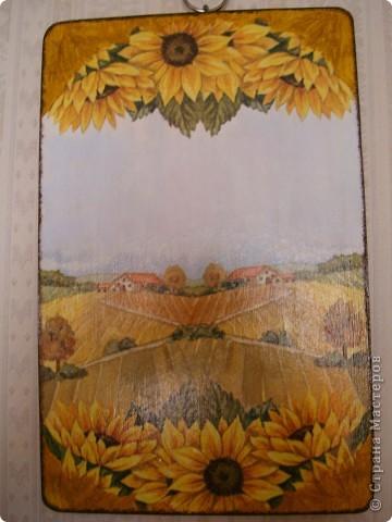 Тарелочку сделала в подарок для мамы.Использовала распечатку,акриловую краску,кракелюрные лаки Idigo,матовый акриловый лак. фото 4