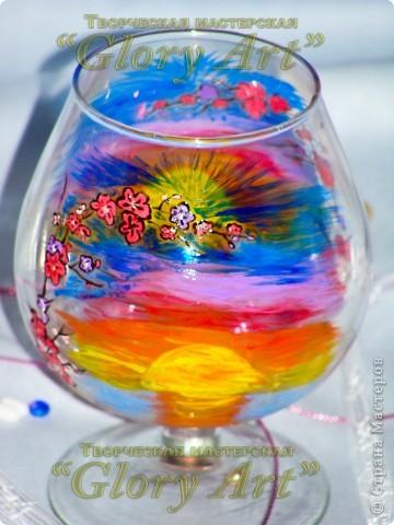 Мой любимый бокальчик! Веточка сакуры и заход солнца. фото 2