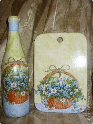 Вот такой комплектик получился, бутылочка сделана ранее, но уж очень нравится эта салфетка.... фото 1