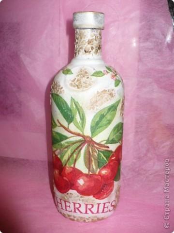 Вот такой комплектик получился, бутылочка сделана ранее, но уж очень нравится эта салфетка.... фото 4