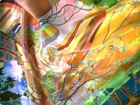 Материалы      Крепдешин.(натуральный шёлк)     Трубочка стеклянная под резерв, резерв светлый.     Подрамник, кнопки.     Краски анилиновые профессиональные под запарку.     Кисти каланоковые.     Простой карандаш.     Крупная морская соль.  фото 13