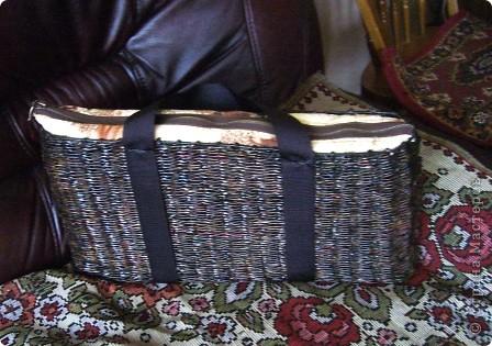 Решила сплести вот такую сумку для перевозки ноутбука в машине. Результат не очень понравился... фото 2