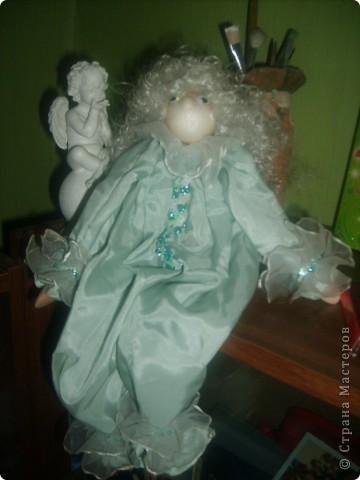 Кукла Ангелочек.Что то в виде марионетки, но не Марионетка.Это кукла-игрушка. Обычно делают без глаз и носа. Играющий должен представить своё лицо. фото 2