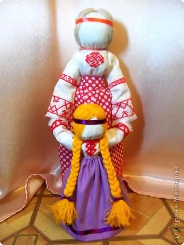 Ведучка - это символичная обережная народная кукла, которая отображает непрерывность связи матери и ребенк
