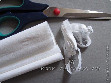 Мастер-класс цветы из ткани.   Белая роза без специальных инструментов.  Гофрированная. фото 20