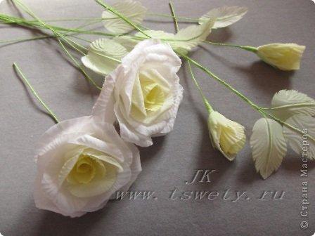 Мастер-класс цветы из ткани.   Белая роза без специальных инструментов.  Гофрированная. фото 31