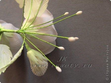 Мастер-класс цветы из ткани.   Белая роза без специальных инструментов.  Гофрированная. фото 33