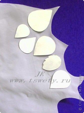Мастер-класс цветы из ткани.   Белая роза без специальных инструментов.  Гофрированная. фото 7
