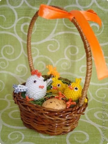 Это вторая партия цыплят. Будущие подарки. Решила сделать им маму-курочку. МК цыплят здесь: http://stranamasterov.ru/node/168598. фото 3