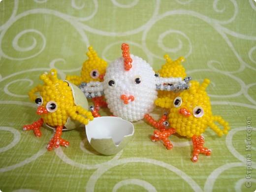 Это вторая партия цыплят. Будущие подарки. Решила сделать им маму-курочку. МК цыплят здесь: http://stranamasterov.ru/node/168598. фото 1