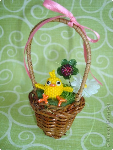 Это вторая партия цыплят. Будущие подарки. Решила сделать им маму-курочку. МК цыплят здесь: http://stranamasterov.ru/node/168598. фото 7