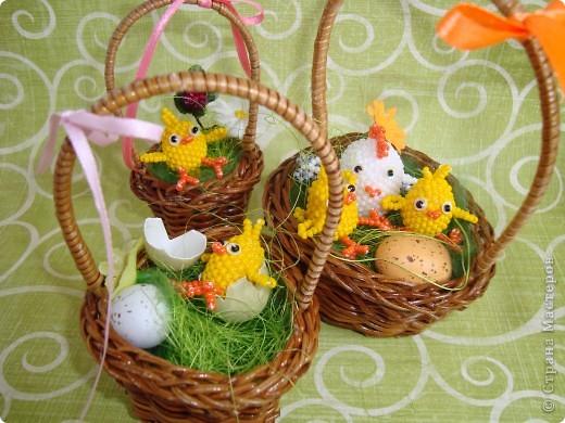 Это вторая партия цыплят. Будущие подарки. Решила сделать им маму-курочку. МК цыплят здесь: http://stranamasterov.ru/node/168598. фото 2