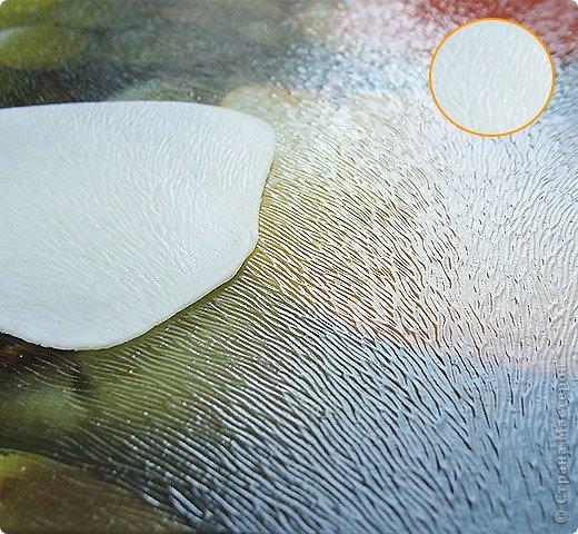 """Самодельный молд. Изготовление: на плотную пленку наклеиваем прозрачный двухсторонний скотч (под пленку подкладываем распечатку листика с прожилками) и на этот скотч приклеиваем нитки в нужном направлении, работа кропотливая но результат неплохой, нитки можно брать разной толщины и тогда фактура будет более естественной что-ли. После нужно этот """"молд"""" вскрыть несколько раз лаком чтобы скотч перестал липнуть (я 3 раза вскрыла). фото 4"""