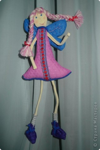 """Увидела МК и не смогла пройти мимо)))) Вот такая замечательная феечка получилась! Вообще давно уже заглядываюсь на тильдочек, но все как-то не складывается.......страшновато почему-то))) А эта кукла как-то сразу вдохновила и я уже не смогла остановиться))) Надеюсь и до тильдочек скоро """"дорасту"""")  фото 3"""