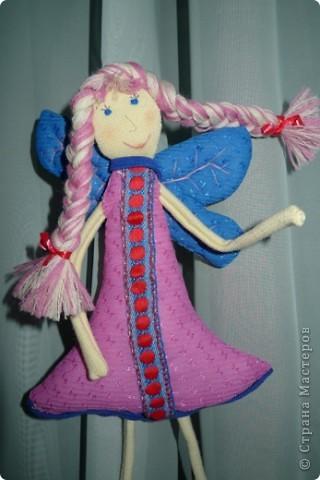"""Увидела МК и не смогла пройти мимо)))) Вот такая замечательная феечка получилась! Вообще давно уже заглядываюсь на тильдочек, но все как-то не складывается.......страшновато почему-то))) А эта кукла как-то сразу вдохновила и я уже не смогла остановиться))) Надеюсь и до тильдочек скоро """"дорасту"""")  фото 5"""