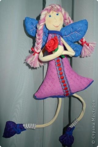 """Увидела МК и не смогла пройти мимо)))) Вот такая замечательная феечка получилась! Вообще давно уже заглядываюсь на тильдочек, но все как-то не складывается.......страшновато почему-то))) А эта кукла как-то сразу вдохновила и я уже не смогла остановиться))) Надеюсь и до тильдочек скоро """"дорасту"""")  фото 1"""