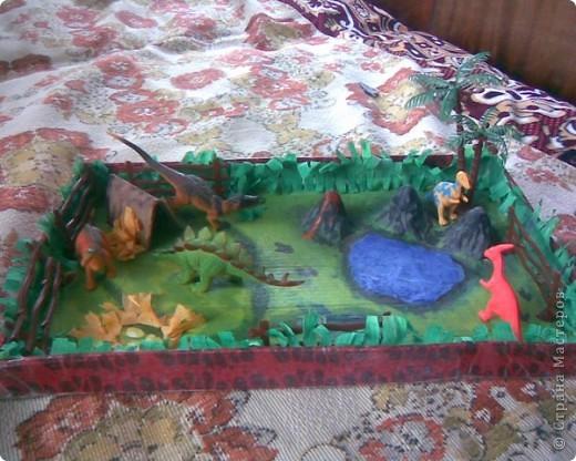 горы сделаны из яичных подставок,облеплены пластилином,покрашены гуашью фото 2