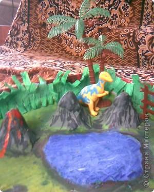 горы сделаны из яичных подставок,облеплены пластилином,покрашены гуашью фото 4
