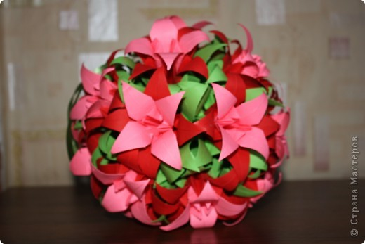 Все лилии в подарок.                                              Размеры квадратиков-15см,14см,13см. фото 2