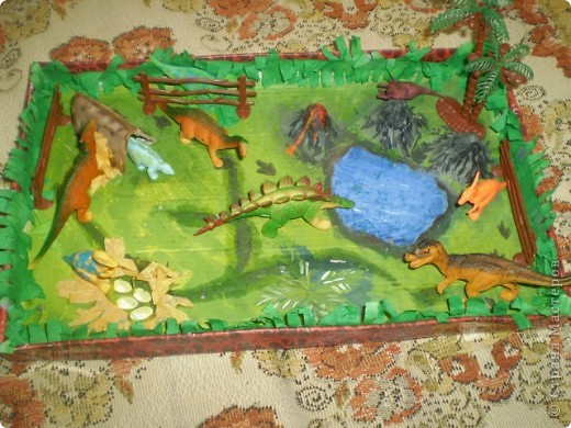 горы сделаны из яичных подставок,облеплены пластилином,покрашены гуашью фото 1