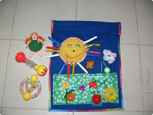Погремушница. Развивающая сумочка для хранения погремушек.