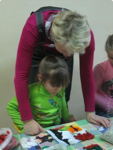 Мы с ребятами с удовольствием приняли приглашение принять участие в Городской Выставке Детского Творчества. Немного подумав, решили сделать групповую работу в технике торцевания. Приглашаем Вас посмотреть, как это было... фото 9