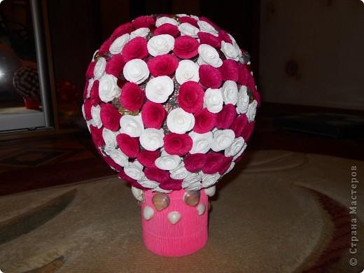 Увидев цветочные шары Витулички сразу загорелась. хочу и все! съездила в цветочный, купила бумагу и понеслось.   фото 1