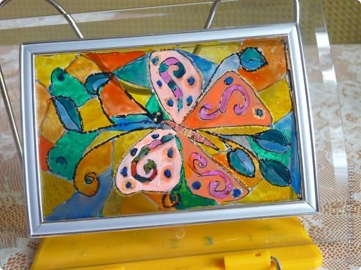 Бабочка-витраж .Горит свеча ( за фоторамкой ) фото 2