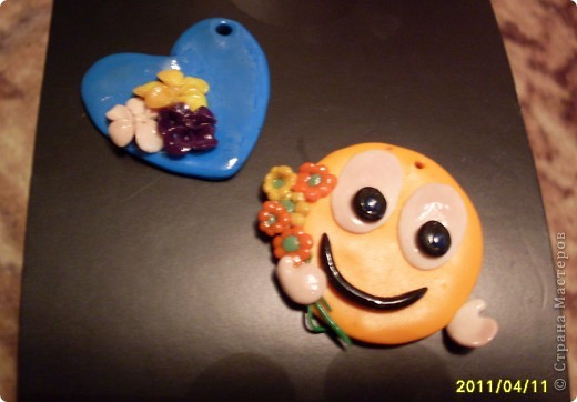 а эти поделочки мы сделали для подружек из детского садика))) надеюсь им понравится!