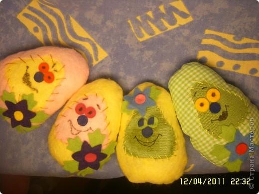 Доброго времени суток всем зашедшим на огонёк! Вас приветствуют пасхальные развесёлые яйца :) идея взята тут  ⪡ Ссылка удалена п. 2.4 http://stranamasterov.ru/print/regulations ⪢ фото 2
