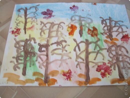 Наконец-то дошли руки разобрать Настины рисунки из детского сада. Эти фотмата А-2. Это любимая игрушка - Жирафик. 4 года. фото 9