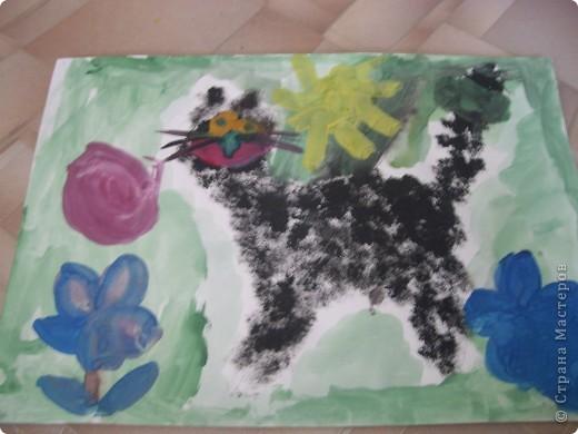 Наконец-то дошли руки разобрать Настины рисунки из детского сада. Эти фотмата А-2. Это любимая игрушка - Жирафик. 4 года. фото 10