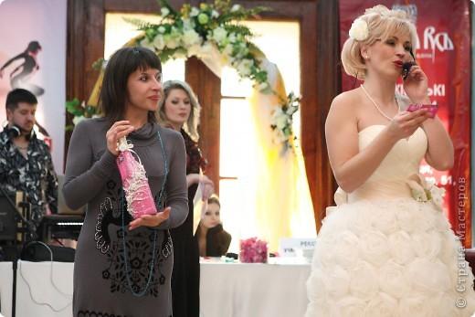 В начале свадебного сезона в нашем городе проходила Свадебная Ярмарка. Вот и я поучаствовала.  фото 10