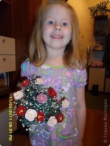 А это моя дочурка с розами фото 1