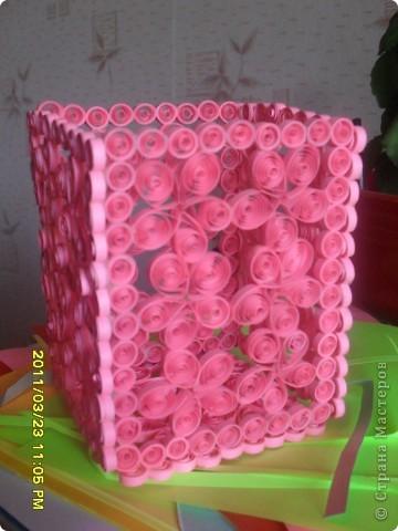 Нежная розовая вазочка. К вам вопрос....(загляните).