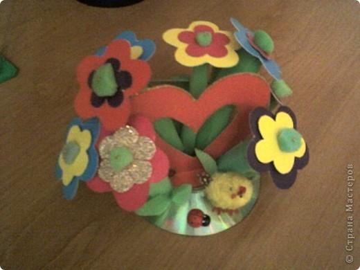 Дерево счастья цветы из гофрированной бумаги и  атласных лент. фото 4