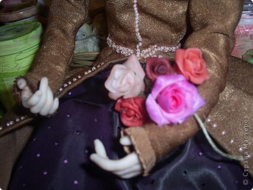 Лепила куклу цыганку, но не получилась она цыганкой, давно хотела создать ей подходящий образ. Костюмом опять не довольна. Надо учиться шить... фото 2