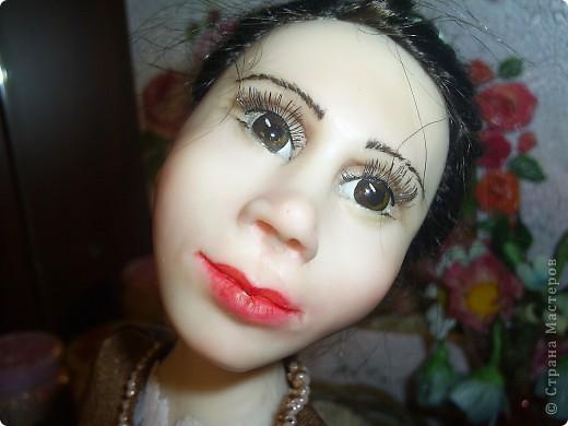 Лепила куклу цыганку, но не получилась она цыганкой, давно хотела создать ей подходящий образ. Костюмом опять не довольна. Надо учиться шить... фото 4