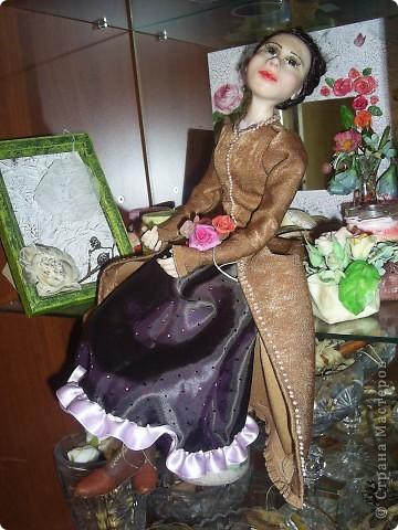 Лепила куклу цыганку, но не получилась она цыганкой, давно хотела создать ей подходящий образ. Костюмом опять не довольна. Надо учиться шить... фото 1