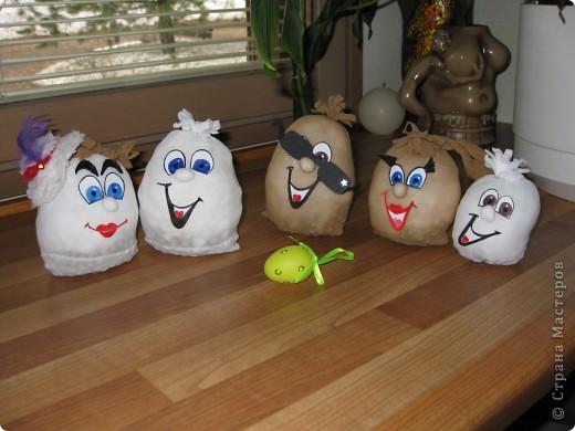 вот такое семейство яиц из карпроновых носков  получилось... спасибо angellira за вдохновение! фото 6