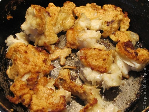 Гренадёр практически не имеет специфического рыбного запаха, он относится к маложирным и низкобелковым рыбам. В его мясе достаточно большое содержание воды, поэтому его мясо очень нежное, но слабое. Готовить гренадёра нужно, не размораживая окончательно. Из гренадёра получаются очень вкусные супы, рубленые изделия, заливные блюда, а также его можно жарить и тушить. Печень и икра гренадёра считается деликатесам.    Эта рыба по своим вкусовым качествам во многом превосходит атлантическую треску.    Необходимо помнить о том, что вся морская рыба чрезвычайно полезна для нашего организма. В рыбе содержится большое количество витаминов, минералов и микроэлементов. К тому же содержащийся в рыбе йод жизненно необходим всем людям, особенно детям и старшему поколению. В мясе рыбе содержится фосфор и кальций, так полезные для формирования всей костно-мышечной системы. фото 3