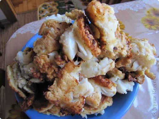 Гренадёр практически не имеет специфического рыбного запаха, он относится к маложирным и низкобелковым рыбам. В его мясе достаточно большое содержание воды, поэтому его мясо очень нежное, но слабое. Готовить гренадёра нужно, не размораживая окончательно. Из гренадёра получаются очень вкусные супы, рубленые изделия, заливные блюда, а также его можно жарить и тушить. Печень и икра гренадёра считается деликатесам.    Эта рыба по своим вкусовым качествам во многом превосходит атлантическую треску.    Необходимо помнить о том, что вся морская рыба чрезвычайно полезна для нашего организма. В рыбе содержится большое количество витаминов, минералов и микроэлементов. К тому же содержащийся в рыбе йод жизненно необходим всем людям, особенно детям и старшему поколению. В мясе рыбе содержится фосфор и кальций, так полезные для формирования всей костно-мышечной системы. фото 4