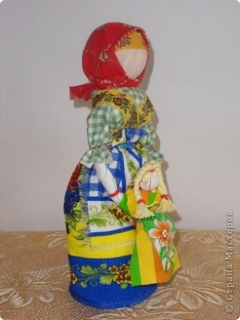 Спасибо мастерицам страны! Изучала куклы и на сайте страны и на сайте Народная кукла. Училась и работала с детьми. Работали втроем с девочками. Я предложила идею кукол, материал, подобрала ткань, а исполнители - мои ученицы Марина и Алиса. Фотки добавлю. фото 5