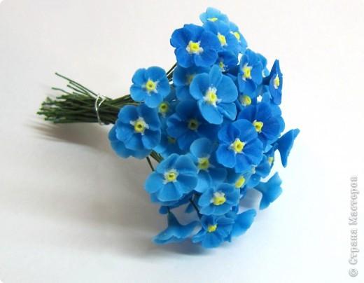 Как я уже говорила, у моей подруги скоро свадьба, и мне было поручено создание украшений к сему замечательному празднику, а именно - я делаю цветочный венок на голову невесте)))) фото 3