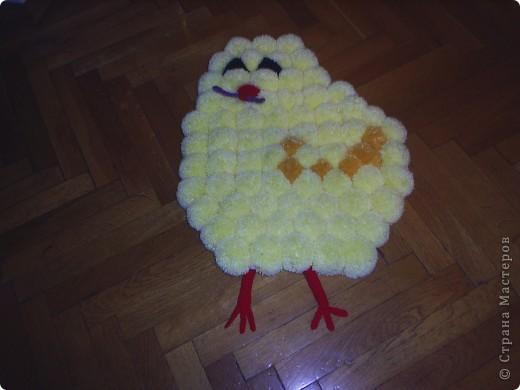 Цыпленок с червячком в клювике...