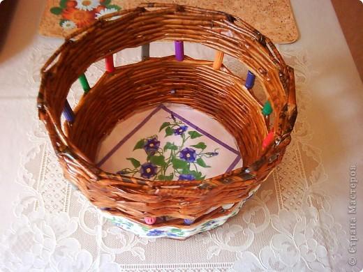 красила лак клен по краям, полоска белой акриловой краской и на дне (под салфетку) фото 14